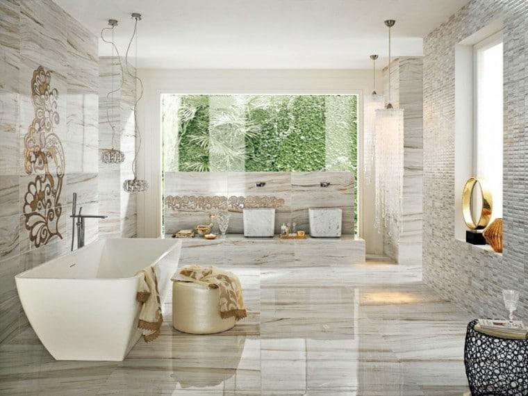 cuartos-de-baño-con-marmol-toalla-copas